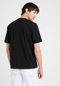 Love Moschino - T-shirt con stampa - black - 2
