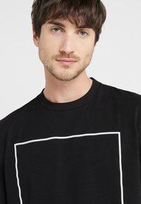 Love Moschino - T-shirt con stampa - black - 3