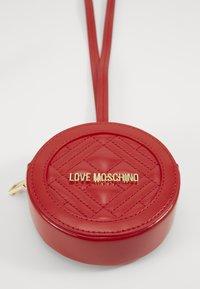 Love Moschino - POCHETTE - Borsa a tracolla - red - 3