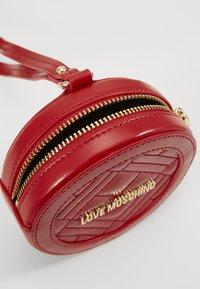 Love Moschino - POCHETTE - Borsa a tracolla - red - 2