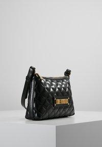 Love Moschino - QUILTED SOFT CROSSBODY - Across body bag - nero - 3
