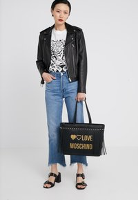 Love Moschino - Handbag - nero - 1