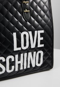 Love Moschino - Tote bag - nero - 4