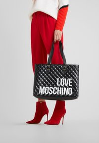 Love Moschino - Tote bag - nero - 1