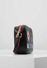 Love Moschino - CAMERA BAG - Taška spříčným popruhem - black - 3