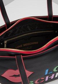Love Moschino - Handtas - black - 4