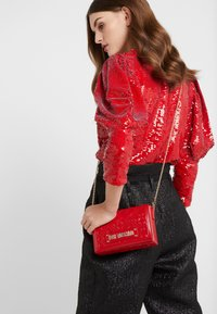 Love Moschino - Umhängetasche - red - 1