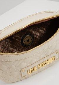 Love Moschino - Bum bag - ivory - 5