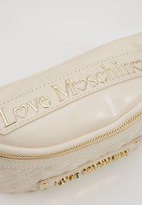 Love Moschino - Bum bag - ivory - 2