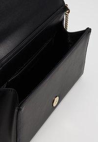 Love Moschino - Across body bag - black/gold - 4