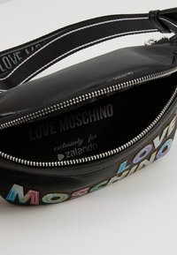 Love Moschino - PLAIN BUMBAG - Heuptas - black - 5