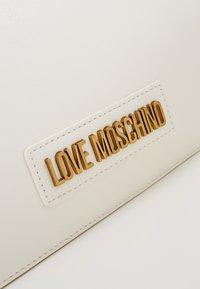 Love Moschino - Håndveske - white - 2