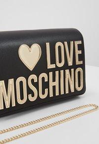 Love Moschino - Sac bandoulière - black - 6