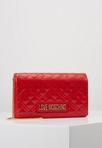 Love Moschino - Taška spříčným popruhem - red - 0