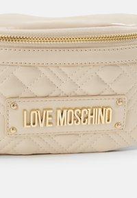 Love Moschino - BORSA QUILTED SCURO - Marsupio - ivory - 3