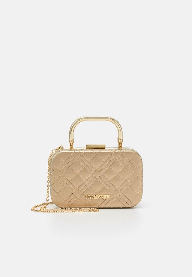 EVENING BAG - Pochette - gold