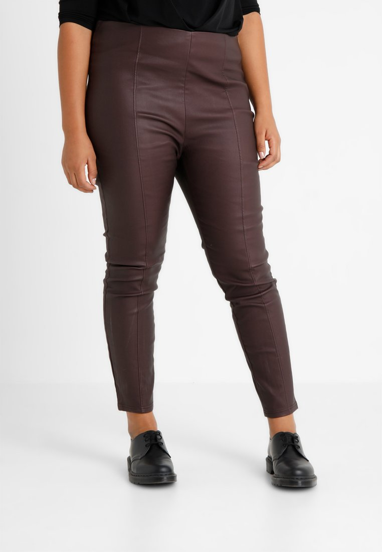Lost Ink Plus - COATED SKINNY TROUSER WITH SEAM - Trousers - oxblood