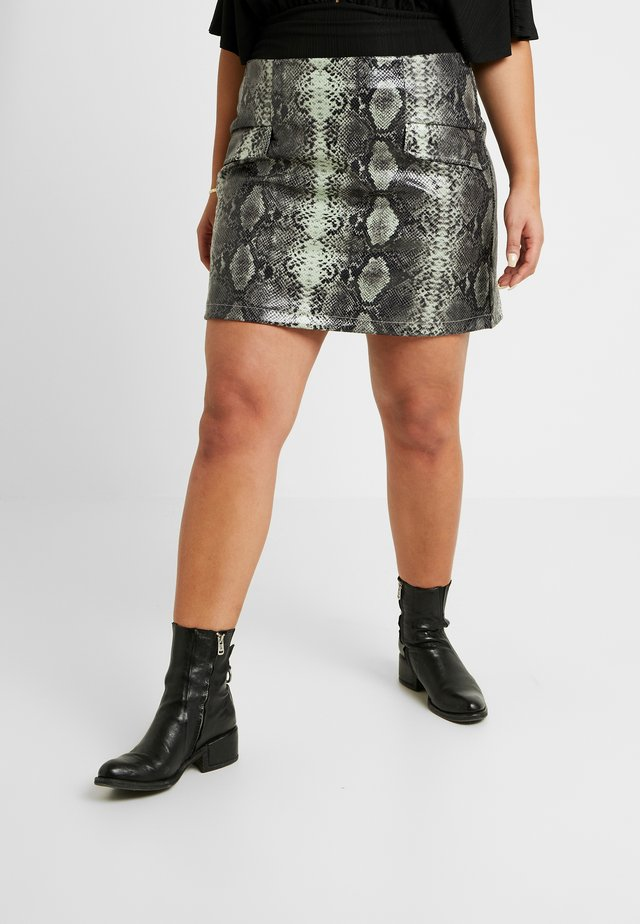 SNAKE PRINT MINI SKIRT - Minisukně - multi