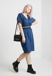 Lost Ink Plus - DRESS WITH WRAP BELT - Spijkerjurk - blue denim - 1