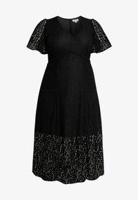 Lost Ink Plus - MIDI DRESS IN DAISY - Day dress - black - 6