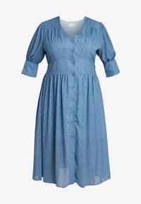 Lost Ink Plus - V NECK DRESS IN SPOT - Abito a camicia - multi print blue - 5