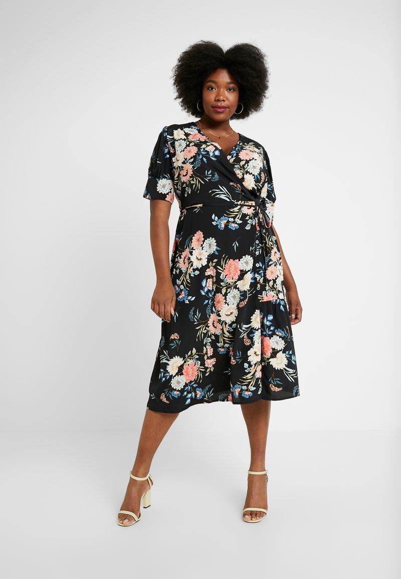 Lost Ink Plus - WRAP DRESS IN ORIENTAL FLORAL - Day dress - multi/black