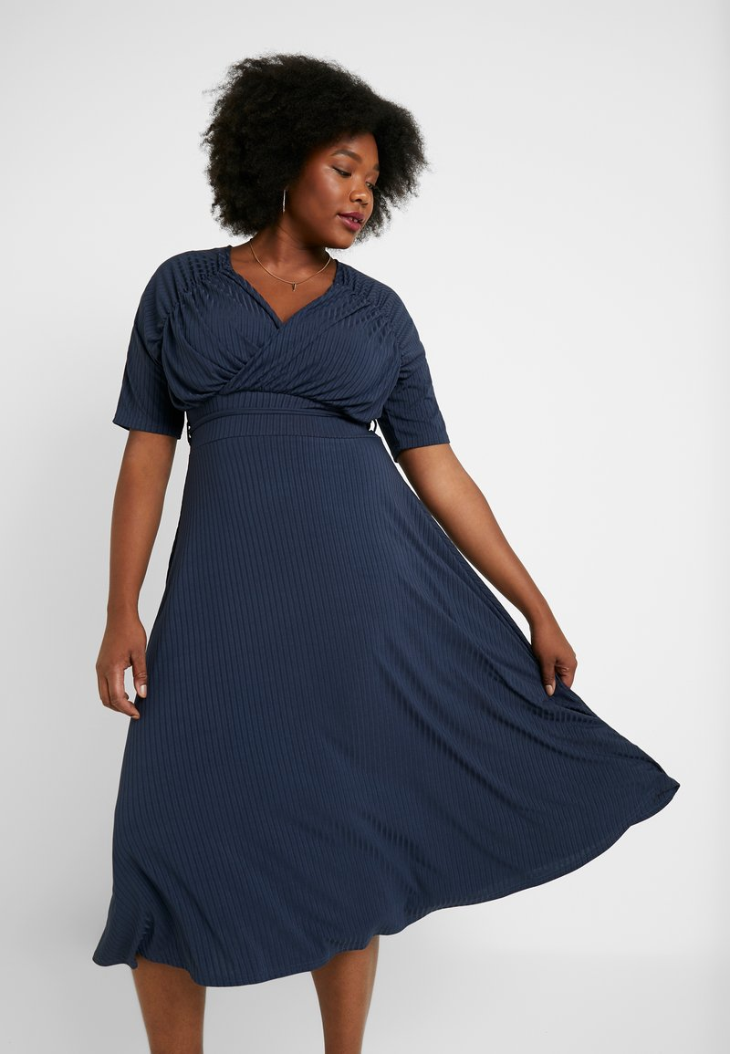 Lost Ink Plus - EXCLUSIVE DERSS WITH RUCHED SHOULDERS - Sukienka letnia - blue