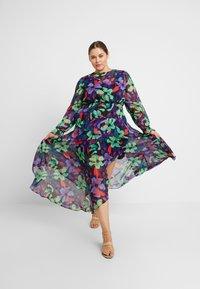 Lost Ink Plus - FLORAL DRESS - Maxiklänning - multi/black - 1