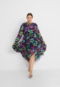 Lost Ink Plus - FLORAL DRESS - Maxiklänning - multi/black - 0