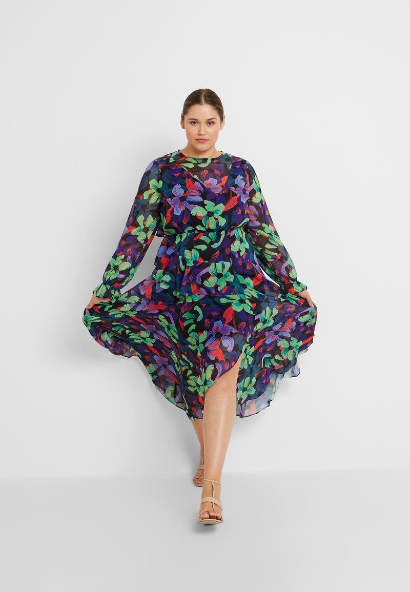 Lost Ink Plus - FLORAL DRESS - Maxiklänning - multi/black