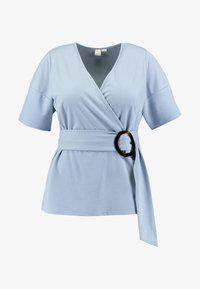 Lost Ink Plus - WRAP WITH BUCKLE - Print T-shirt - light blue - 3