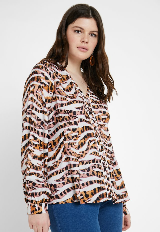 BUTTON FRONT IN LEOPARD - Bluser - brown/white