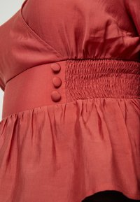 Lost Ink Plus - WRAP WITH BUTTONS - Blusa - pink - 5