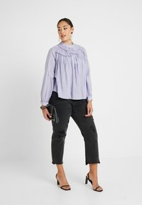 Lost Ink Plus - SHIRRED DETAIL FRONT BLOUSE - Blouse - purple - 1