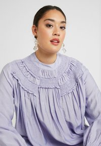 Lost Ink Plus - SHIRRED DETAIL FRONT BLOUSE - Blouse - purple - 3