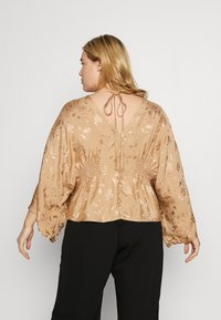 Lost Ink Plus - KIMONO SLEEVE BLOUSE - Blusa - beige - 2