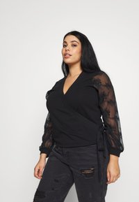 Lost Ink Plus - WRAP FRONT LACE SLEEVE - Mikina - black - 3