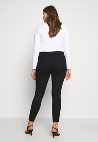 Lost Ink Plus - BUTTON FRONT  - Jeans Skinny Fit - black - 2