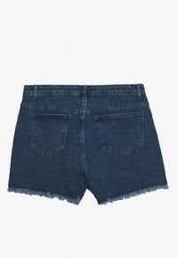 Lost Ink Plus - BUTTON FRONT MOM - Denim shorts - light denim - 1