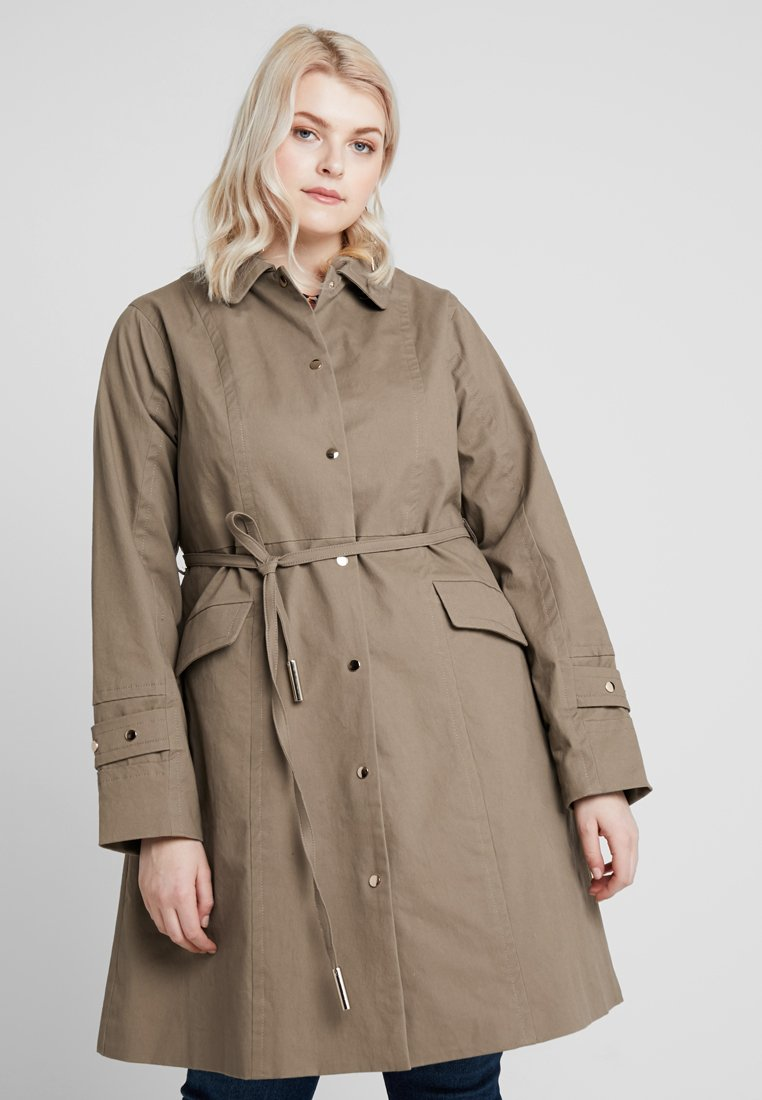 Lost Ink Plus - WITH BUTTON BELT - Trenchcoat - light brown
