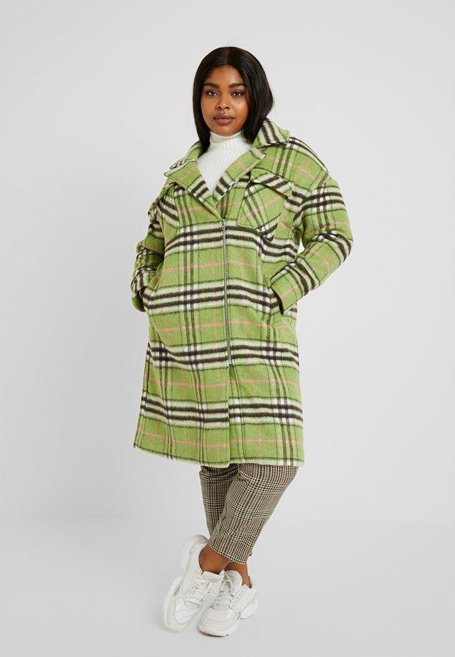 CHECK ZIP FRONT COAT - Zimní kabát - multi green