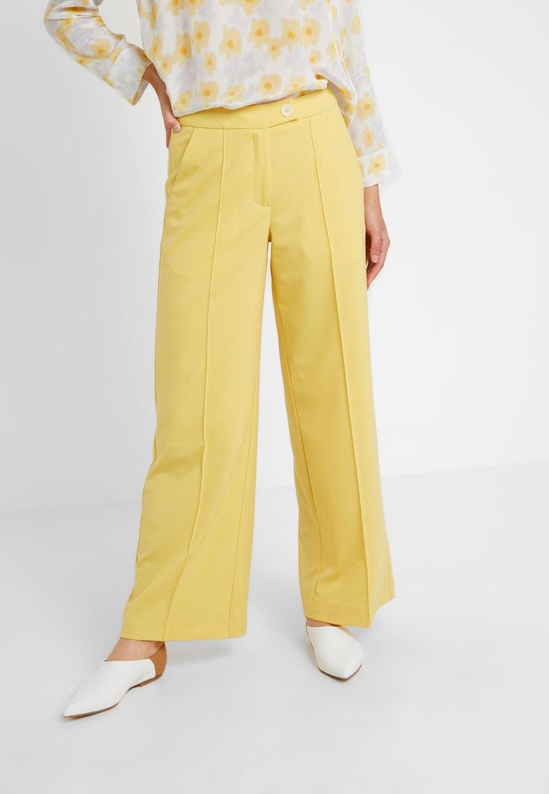Lovechild - HARPER PANT - Pantaloni - banana