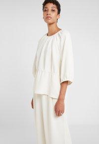 Lovechild - LULAS - Kalhoty - whisper white - 3