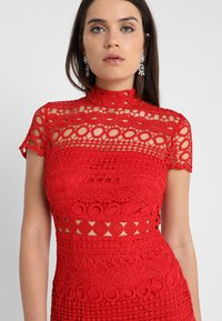 Love Triangle - DOUBLE DOLCE MINI CAP SLEEVE DRESS - Day dress - bright red - 4