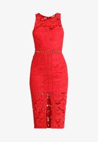 Love Triangle - EDEN KNEE LENGTH DRESS - Koktejlové šaty/ šaty na párty - red - 4