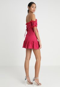 Love Triangle - ROSETTA MINI DRESS - Koktejlové šaty/ šaty na párty - dark red - 2