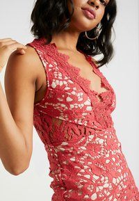 Love Triangle - DANUBE MINI DRESS - Vestito elegante - brick red - 5
