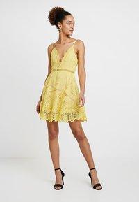 Love Triangle - BUTTERCUP DRESS - Sukienka koktajlowa - lemon - 1