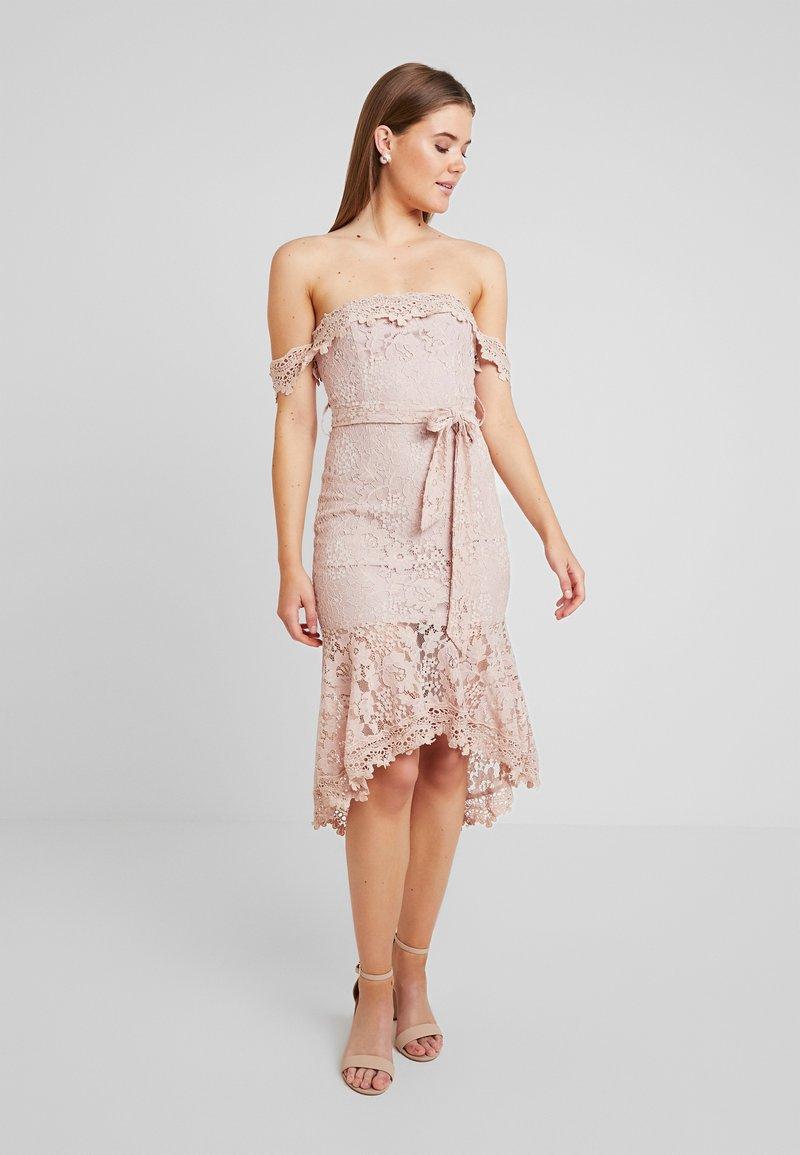 Love Triangle - PICTURE THIS MIDI DRESS - Sukienka koktajlowa - nude