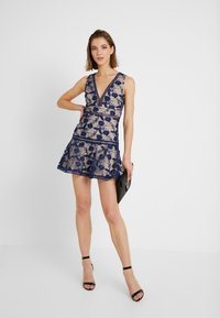 Love Triangle - BLOSSOM DRESS - Cocktailklänning - navy - 1
